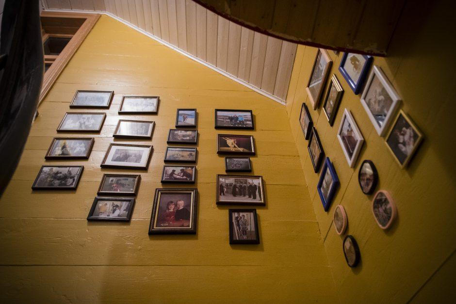 Bildene i trappa